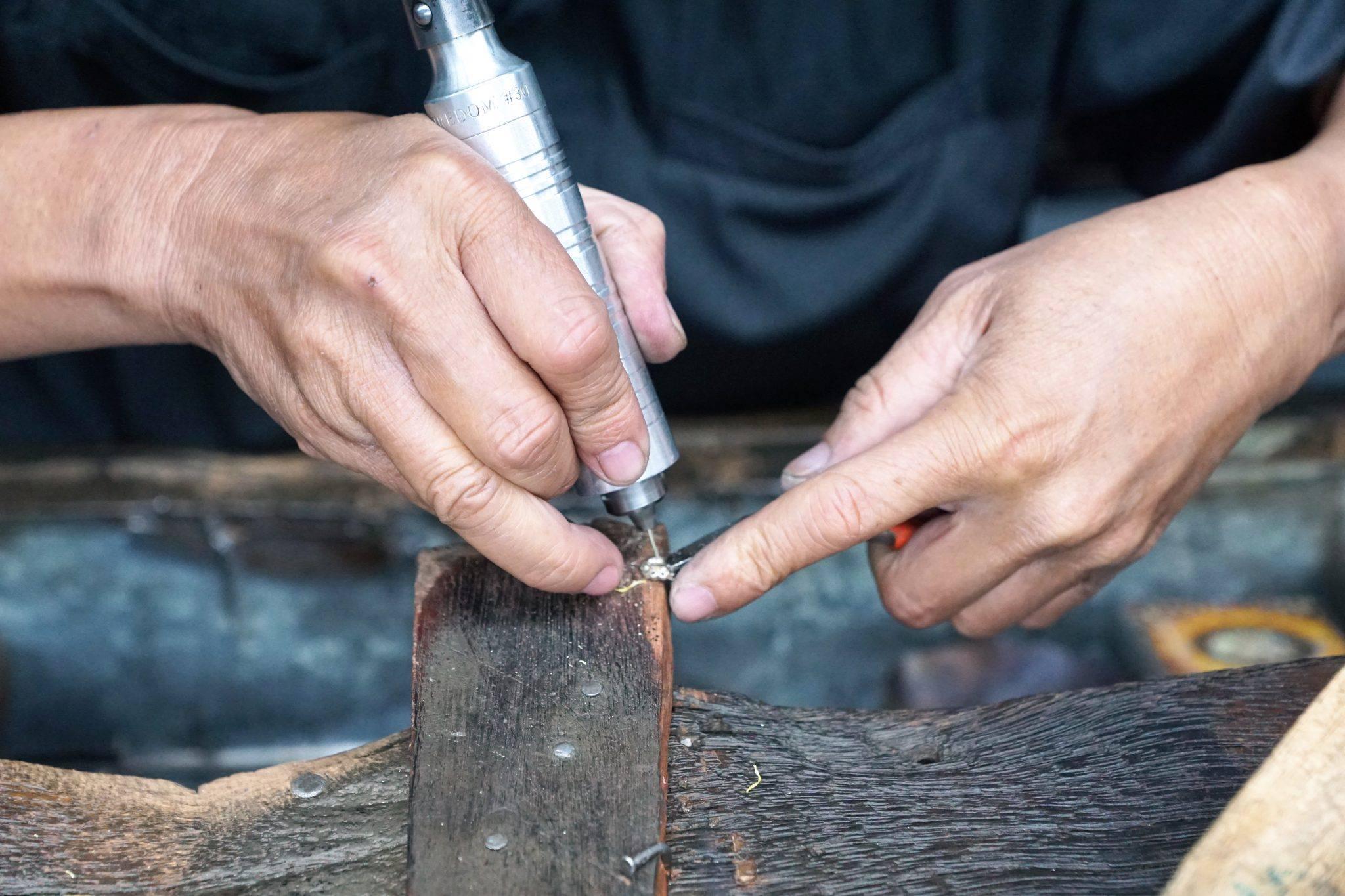 Worker craftsman solder
