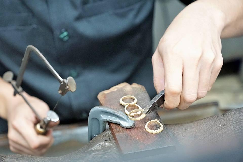 Worker watchmaker craft