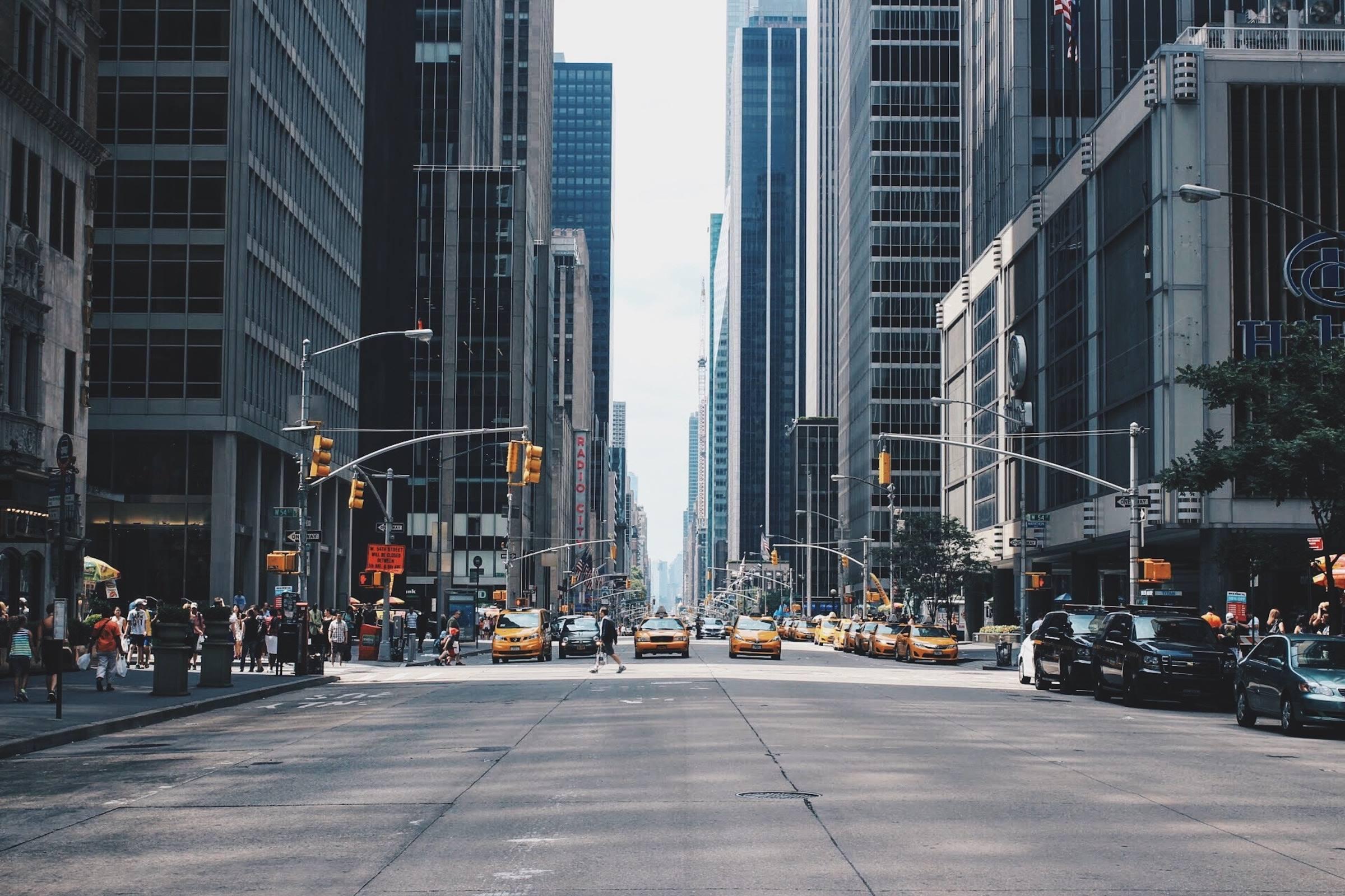 new york city street yellow cabs