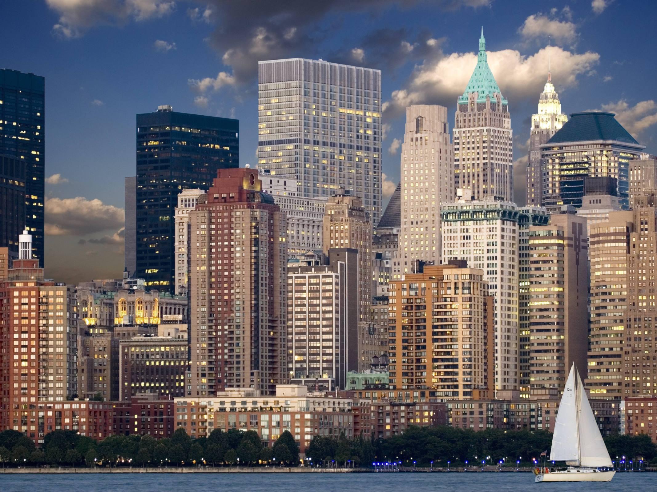 new york skyline manhattan river cityscape