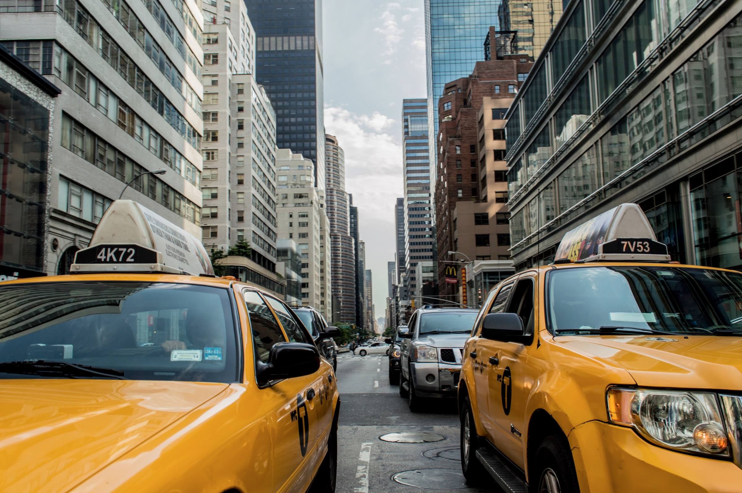 new york yellow taxi cabs city
