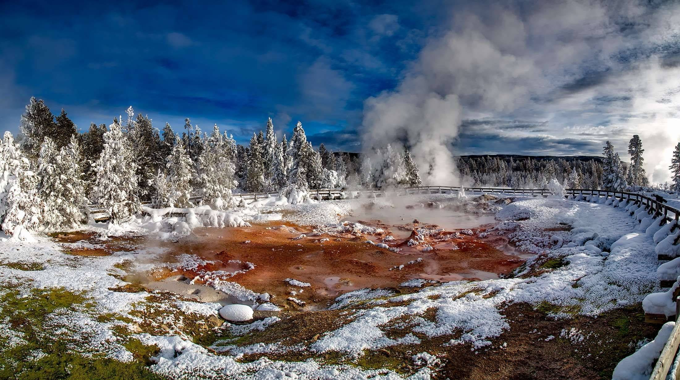 yellowstone national park geyser hot spring steam