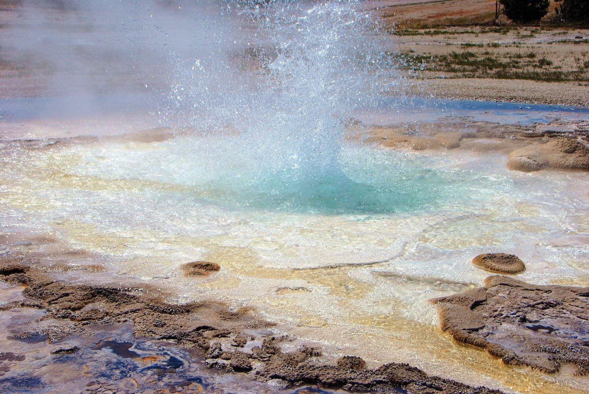yellowstone national park geyser steam
