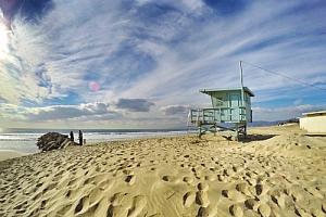 los angeles california beach lifeguard tower