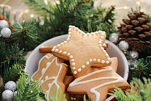 Christmas cookies in a bowl