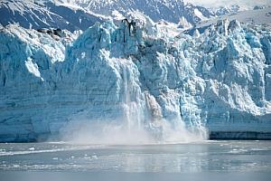 Alaska glazier calving