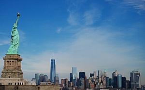 statue of liberty skyline new york